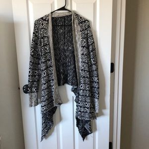 Medium BKE printed cardigan